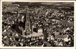Postcard Ulm an der Donau, Fliegeraufnahme von der Stadt mit Münster