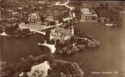 Postcard Schwerin, Luftbild, Blick auf das Schloss, Gewässer, Eingang, Platz
