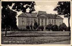 Postcard Gyula Ungarn, Röm. kath. Realgymnasium, Vorderansicht
