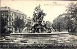Postcard Fürth in Mittelfranken Bayern, Kunstbrunnen auf dem Bahnhofsplatz