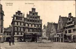 Postcard Lüneburg in Niedersachsen, Reichenbachbrunnen mit Zum Schütting