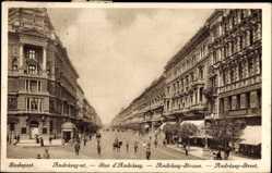 Postcard Budapest Ungarn, Blick in die Andrassy Straße, Reiter, Geschäfte