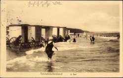Ak Timmendorfer Strand in Ostholstein, Partie im Bad, Badewagen, Meer