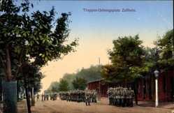 Ansichtskarte / Postkarte Zeithain in Sachsen, Blick auf den Truppenübungsplatz, Soldaten, Baracke