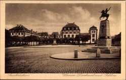 Postcard Saarbrücken im Saarland, Ulanendenkmal und Schloss