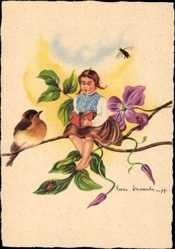 Künstler Ak Wasserkampf, Herta, Mädchen auf einem Ast sitzend, Vogel, Biene