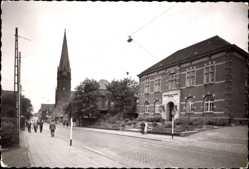 Foto Ak Osterfeld Oberhausen Rhein, Rathaus, Pankratiuskirche, Straßenpartie