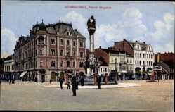 Postcard Szombathely Ungarn, Varosi berpalota, Straßenpartie mit Blick auf Denkmal