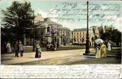 Postcard Düsseldorf am Rhein, Stadttheater und Bismarckdenkmal, Passanten