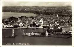 Postcard Lindau im Bodensee Schwaben, Blick auf den Ort, Fliegeraufnahme