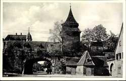 Postcard Ulm an der Donau Baden Württemberg, Straßenpartie mit Blick auf Zundeltor
