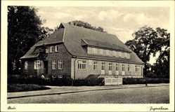 Postcard Stade in Niedersachsen, Partie am Jugendheim, Straße