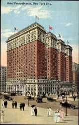Postcard New York City USA, Hotel Pennsylvania, Building, Street View