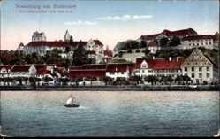 Postcard Meersburg im Bodenseekreis, Gesamtansicht vom See aus