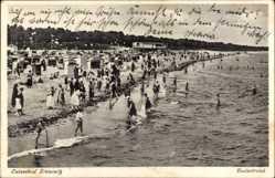 Postcard Zinnowitz auf der Insel Usedom, Ostseebad, Der belebte Strand
