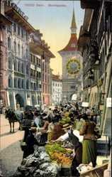 Postcard Bern Stadt Schweiz, Marktgasse, Gemüsehändler, Zeitglockenturm