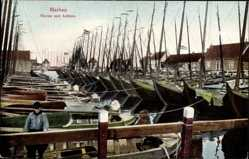 Postcard Marken Nordholland, Haven met botters, Schiffe im Hafen