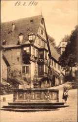 Postcard Miltenberg in Unterfranken Bayern, Haus Miltenberg mit altem Marktbrunnen
