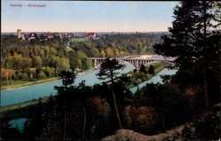 Postcard Grünwald Isartal, Flusspartie, Brücke, Waldhang, Stadtansicht, Turm