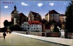 Postcard Neuburg an der Donau Oberbayern, Straßenpartie mit Blick auf Hotel Krone