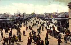 Postcard Konstantinopel Istanbul Türkei, Le nouveau pont, Passanten auf der Brücke