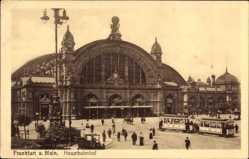 Postcard Frankfurt am Main, Blick auf den Hauptbahnhof, Straßenbahn