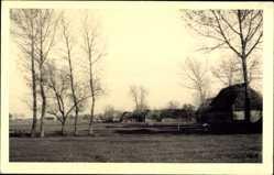 Foto Ak Polen, Bauernhöfe bei Lublin, Wiesen, Kriegsgebiet II. WK
