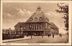 Postcard Herne im Ruhrgebiet Nordrhein Westfalen, Ansicht vom Bahnhofsgebäude