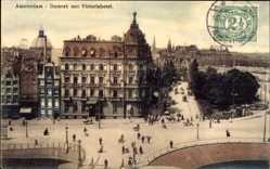 Postcard Amsterdam Nordholland Niederlande, Damrak met Victoriahotel, Passanten