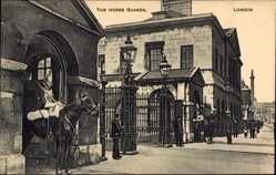 Postcard London City, The Horse Guards, Wachposten, Reiter, Eingangstor