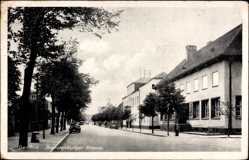 Postcard Genthin am Elbe Havel Kanal, Blick in die Brandenburger Straße, Auto