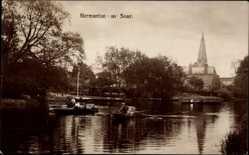Postcard Normanton on Soar East Midlands, Flusspartie, Ruderboote, Kirchturm