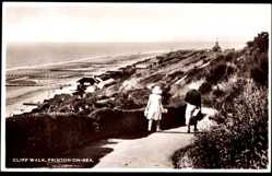 Postcard Frinton on Sea East England, Cliff Walk, Meerpartie, Gebäude, Strand