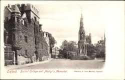 Postcard Oxford South East England, Balliol college and Martyrs Memorial