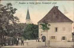 Postcard Velika Gorica Kroatien, Kirchturm, Gebäude, Straßenpartie, Anwohner