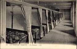 Ak Soligny la Trappe Ain, Un Dortoir, Schlafzimmer, Betten
