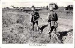 Postcard Bald ist der Anschluss fertig, Kabelverlegung für Telefonie, Deutsches Heer