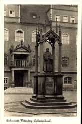 Postcard Lutherstadt Wittenberg in Sachsen Anhalt, Lutherdenkmal