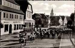 Postcard Winterberg im Hochsauerlandkreis, Auftrieb der Kuhherde