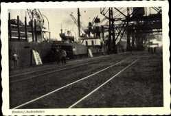 Postcard Emden in Ostfriesland, Partie im Außenhafen, Dampfer, Schienen