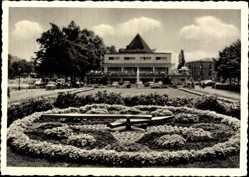 Postcard Mülheim an der Ruhr, Die Blumenuhr am Wasserbahnhof, Autos