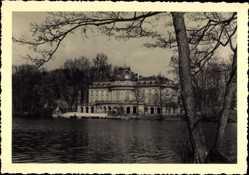 Foto Ak Ludwigsburg in Baden Württemberg, Blick auf das Schloss, Gewässer