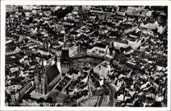 Postcard Halle an der Saale, Fliegeraufnahme, Ansicht vom Stadtzentrum, Markt, Kirche