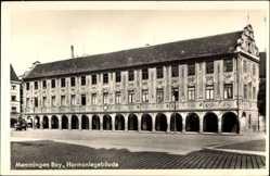 Postcard Memmingen Bayern, Blick auf das Harmoniegebäude, Arkaden
