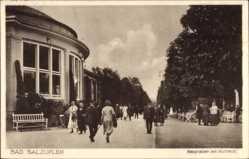 Postcard Bad Salzuflen im Kreis Lippe, Hauptallee am Kurhaus, Passanten