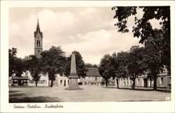 Postcard Dessau Rosslau in Sachsen Anhalt, Blick auf den Marktplatz, Kirchturm