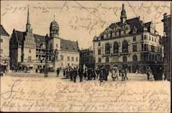 Postcard Halle an der Saale, Blick auf Rathaus und Ratskeller, Platz, Passanten