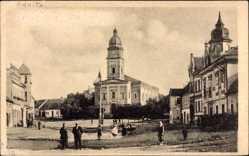 Ak Kamica Deutsch Kamitz Pommern, Blick auf einen Platz mit Kirche