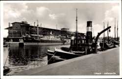 Postcard Lübeck in Schleswig Holstein, Hafenpartie mit Dampfer Wiking