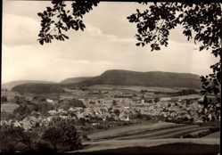 Postcard Uder im Eichsfeld in Thüringen, Totalansicht der Ortschaft, Felder, Wald